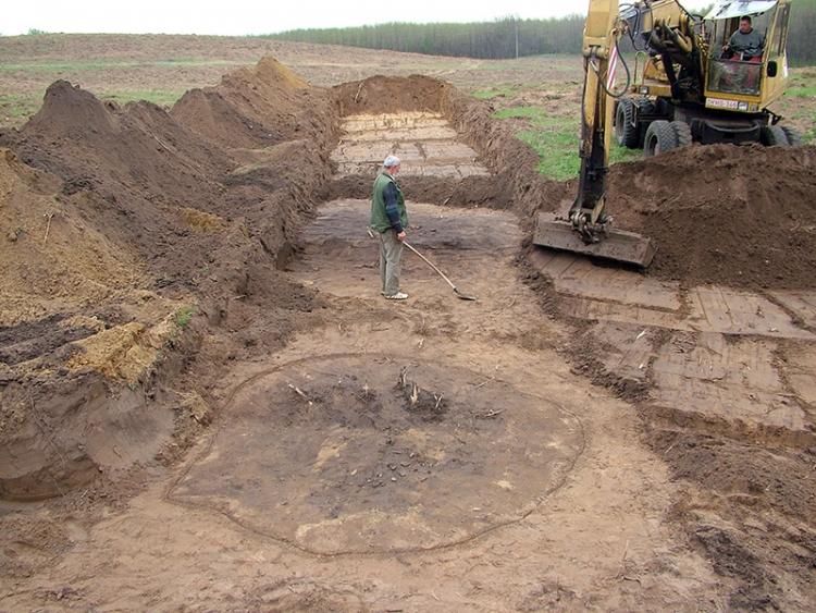 Vaskori gödrök foltjai a máriapócsi homokbányában